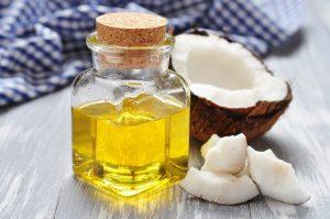 chữa nám mảng bằng dầu dừa