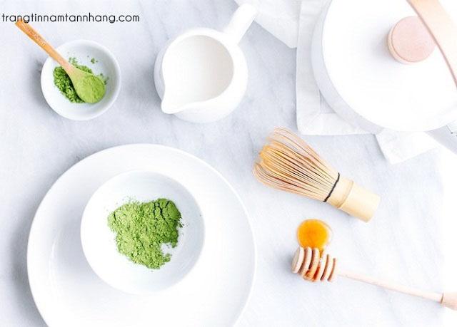 Cách trị tàn nhang bằng bột trà xanh và mật ong
