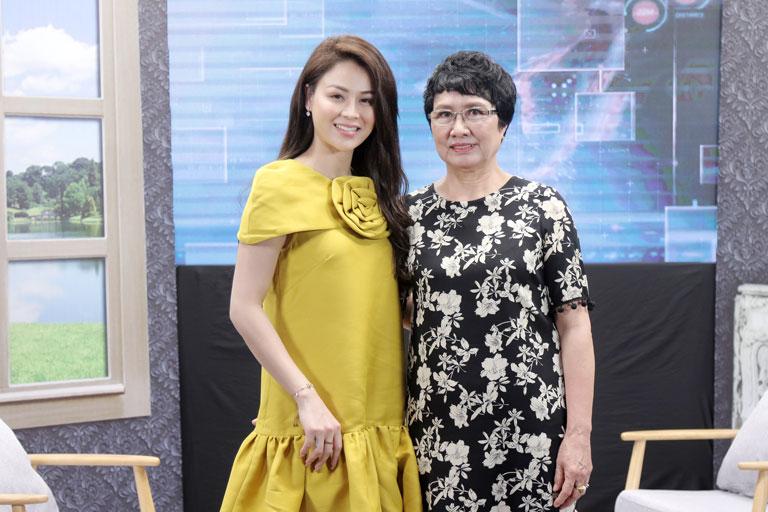 Bác sĩ Nhuần và diễn viên Thu Trang trong chương trình