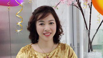 Cô Kim Hoa rạng rỡ ở tuổi 50